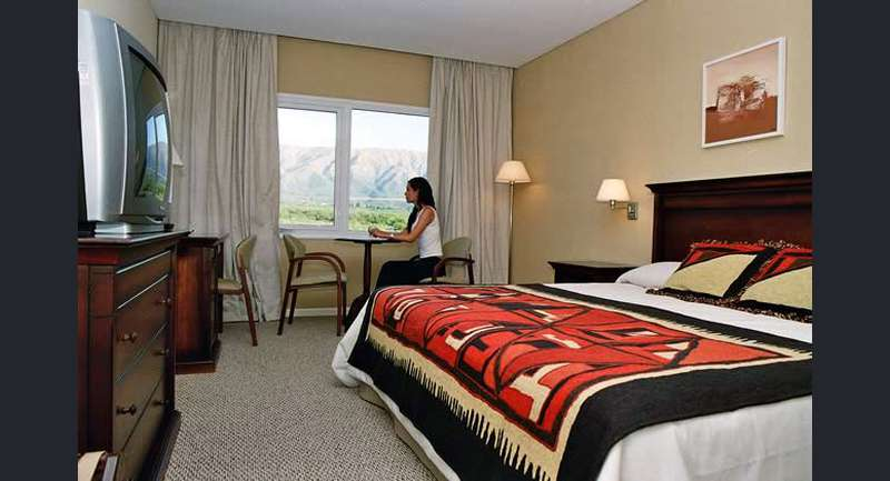 Howard Johnson Hotel & Casino Villa de Merlo